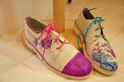 Beatrice Gramolini has decorated a white leather oxford with her own custom paint job.